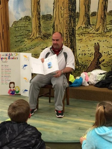 Ridgeway School students and families came out on the evening of March 3, 2016, for the Barnes and Noble Bookfair.  Guest readers included our teachers, principal and even our Mayor! There were games and activities for the kids.  Everyone had so much fun.